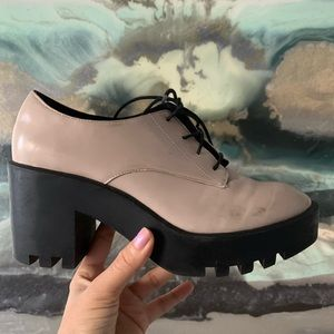 Tan vintage style platform closed toe shoes
